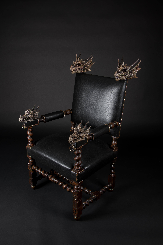 trône dragon